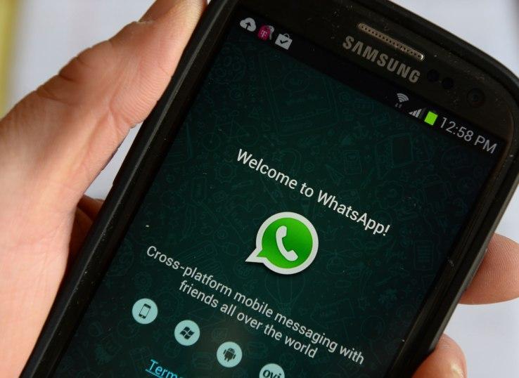 whatsapp private reply