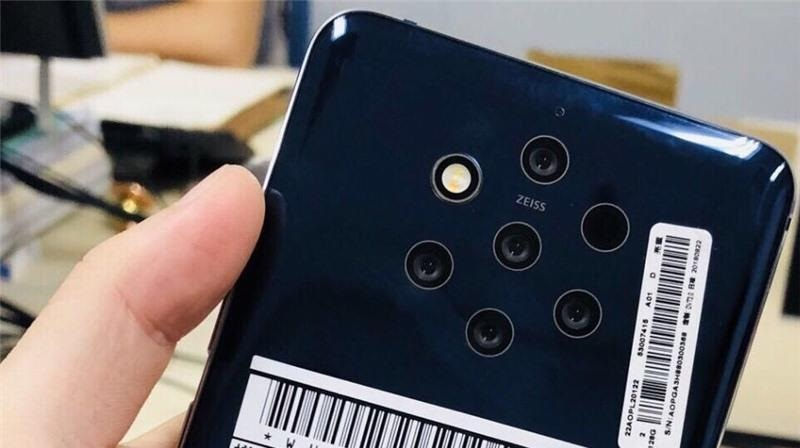 Nokia 9 with 5 camera lens on the back